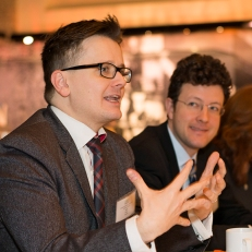 Dan Simon, co-chair of the Advisory Panel, speaks at the roundtable breakfast in February 2015.