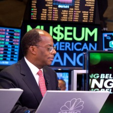 Maria Bartiromo interviews TIAA-CREF President and CEO Roger Ferguson for CNBC following the closing bell ceremony. Photo courtesy of Valerie Caviness.